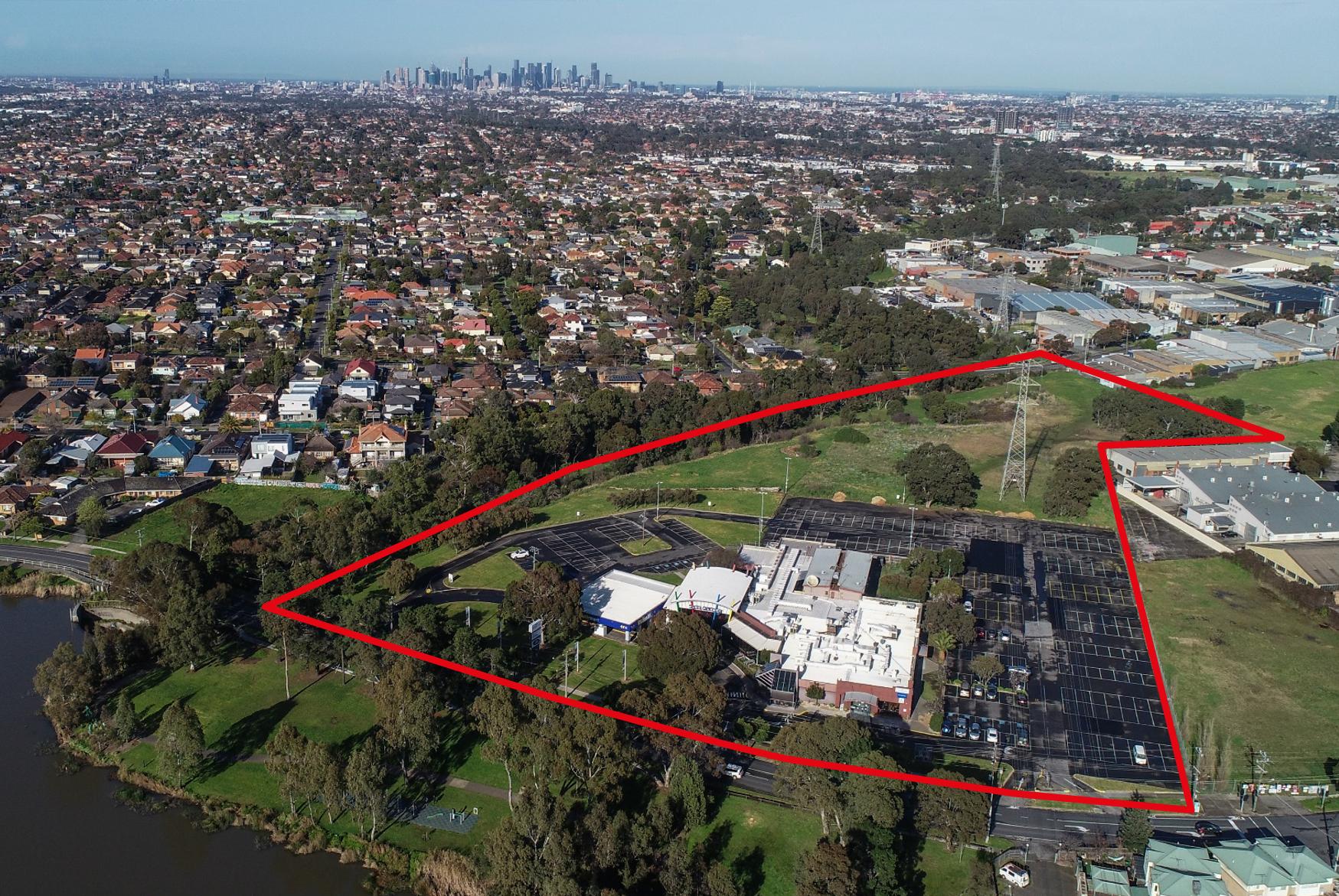 Edwardes Lake Hotel Aerial with Boundary